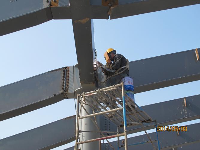图书馆楼顶造型钢结构施工全面